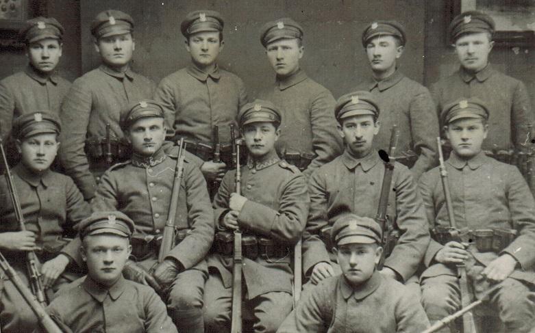 Okładka folderu Niezidentyfikowani żołnierze
